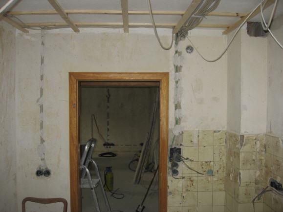 renovierung stromleitungen verlegen. Black Bedroom Furniture Sets. Home Design Ideas